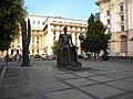 (5) Bucuresti, Romania. Piata Palatului - Piata Revolutiei. Statuia lui Iuliu Maniu.jpg