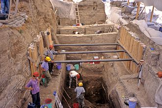 Çatalhöyük - Deep trenches in the site.