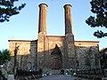 Çifte Minareli Medrese.JPG