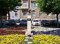 Žatec, Kruhové náměstí, busta Edvard Beneš.jpg