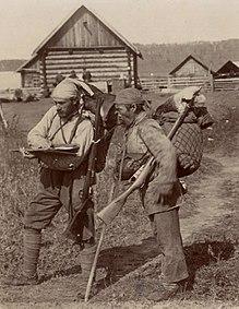 Dersu Uzala y Arsenyev en su viaje de exploración