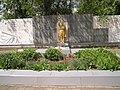 Братська могила радянських воїнів та пам'ятник воїнам - односельцям у с. Мордвинівка.jpg