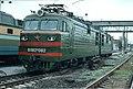 ВЛ82М-082, Украина, Харьковская область, депо Октябрь (Trainpix 46831).jpg