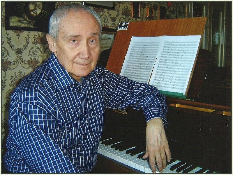 Дмитрий Брониславович Смо́льский (25 июля 1937), белорусский композитор.jpg
