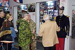 Командувач Сухопутних військ ЗС Канади генерал-лейтенант Пол Винник відвідав Національну академію сухопутних військ (25386698999).jpg