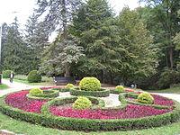 Курортный парк (Ставропольский край, Кисловодск, по долине р. Ольховки, на склонах Джинальского хребта.jpg