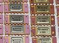 Микросхемы ОЗУ в золотых и розовых тонах.jpg