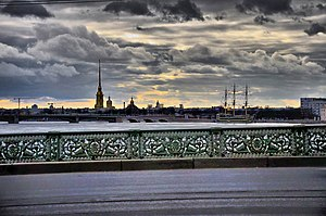 Петропавловский собор с Литейного моста.jpg