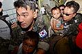 13.11.17 필리핀 재난구호 Republic Of korea Air Force (10956019314).jpg