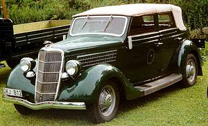 Full-size Ford - 1935 Model 48 Convertible Sedan
