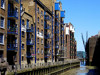 Shad Thames - St Saviour's Dock (View North to Thames)