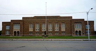 Escanaba, Michigan - Image: 2009 0619 Escanaba JHS