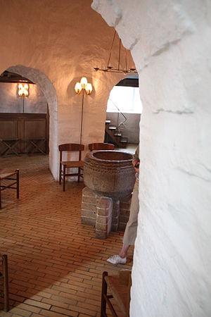 Østerlars Church - Østerlars: Inside the central column
