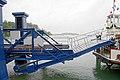 2011-07-17 629 Alte Fähre - Zweite Ausfahrt - Landungsbrücke von der Seite a.jpg