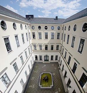 Palais Leuchtenberg - Courtyard