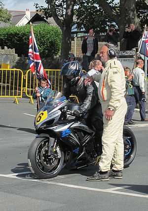 2014 Manx Grand Prix - Andrew Soar (6) 750 cc Suzuki at startline, 2014 Senior Manx Grand Prix, 29 August 2014