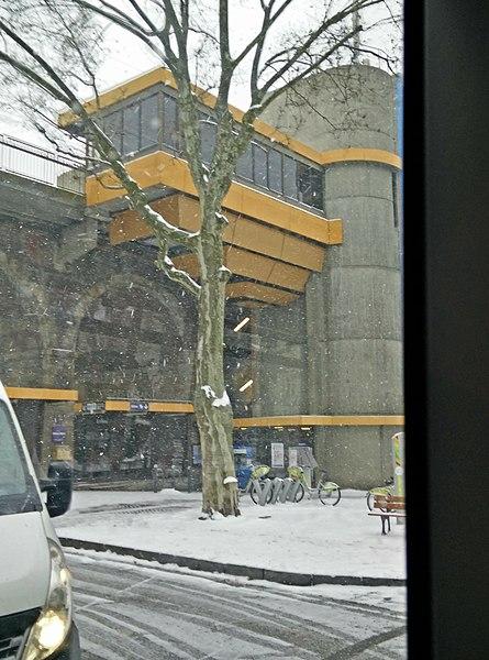Gare de Saint-Etienne Carnot sous la neige.