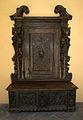 2253 - Milano - Palazzo Annoni - Cassapanca a sin - Foto Giovanni Dall'Orto 20-May-2007.jpg