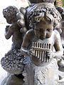 24 Villa Retiro, amorets de bronze.jpg