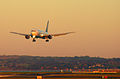 767 daybreak arrival, Auckland 14 June 2005 - Flickr - PhillipC.jpg