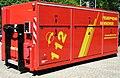 Abrollbehälter-Dekontamination-Zivilpersonen der Feuerwehr Hannover.jpg