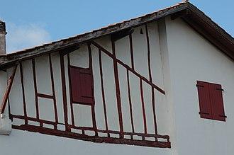 Ahetze - Image: Ahetze Maison Réhaussée
