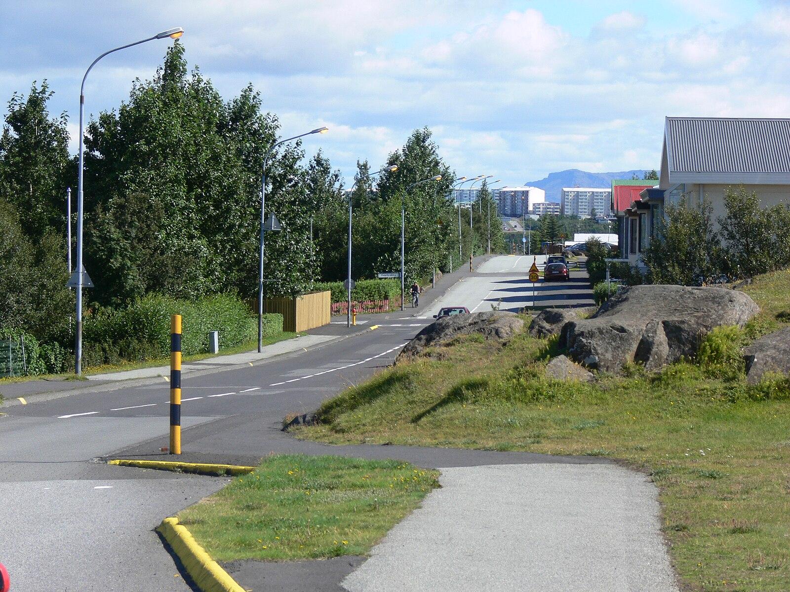 Elf road