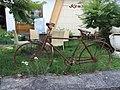 Altes Fahrrad am alten Konsum in Glashütte - panoramio.jpg
