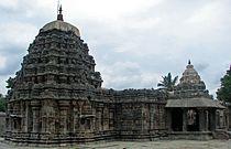 Amrtesvara Temple at Annigeri.JPG