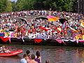 Amsterdam Gay Pride 2004, Canal parade -009.JPG