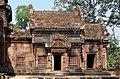 Angkor-Banteay Srei-26-Mandapa-2007-gje.jpg