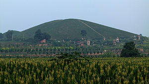 Emperor Hui of Han - Anling (安陵), the tomb of Emperor Hui, in Xianyang, Shaanxi