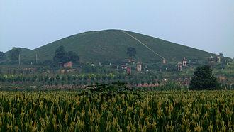 Emperor Hui of Han - Anling (安陵), the tomb of Emperor Hui, in Xianyang, Shaanxi