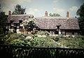 Ann Hathaway Cottage, Stratford-Upon-Avon, England (9816078065).jpg
