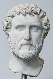 http://upload.wikimedia.org/wikipedia/commons/thumb/5/5f/Antoninus_Pius_Met_33.11.3.jpg/220px-Antoninus_Pius_Met_33.11.3.jpg