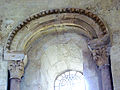 Arcature étoilée & chapiteaux - église de Saint-Paul-lès-Dax.jpg