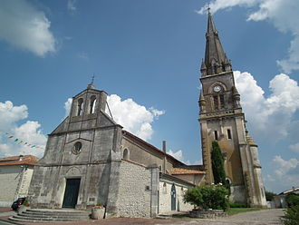 Archiac - General view of the church of Saint-Pierre