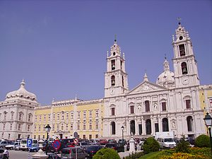 Architectural wonders in Mafra, Portugal (1413035407).jpg