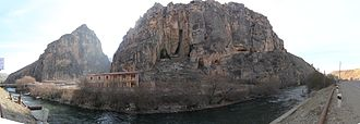Areni-1 cave - Panorama of the site along the Arpa River