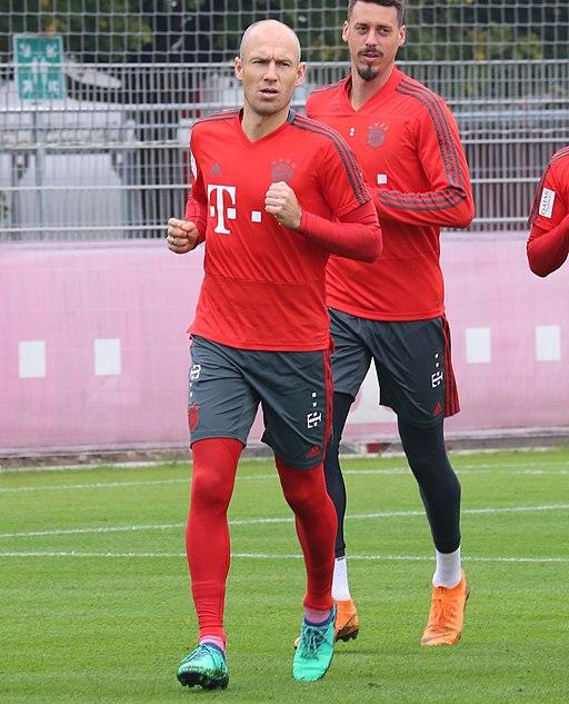 Arjen Robben Sandro Wagner Training 2018-10-09 FC Bayern Muenchen-1 (cropped)