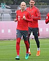 Arjen Robben Sandro Wagner Training 2018-10-09 FC Bayern Muenchen-1 (cropped).jpg
