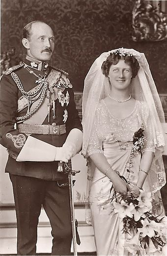 The wedding day of Prince Arthur of Connaught and the Duchess of Fife. Arthur Connaught Alexandra Fife.jpg