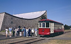 Astoria Riverfront Trolley - Passengers boarding car 300 at the Columbia River Maritime Museum during the first season of operation, in 1999