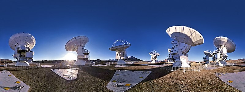 Atacama Large Millimeter-Submillimeter Array, under construction.jpg