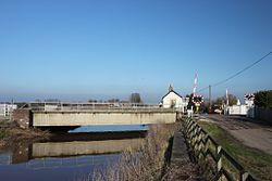 Athelney River Tone bridge and level crossing.JPG