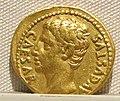 Augusto, aureo, 27 ac.-14 dc ca. 01.JPG