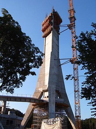 Avala Tower - Image: Avalski toranj igradnja jul 2 2008