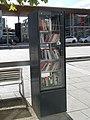 Bücherschrank Rüsselsheim Bahnhof.jpg
