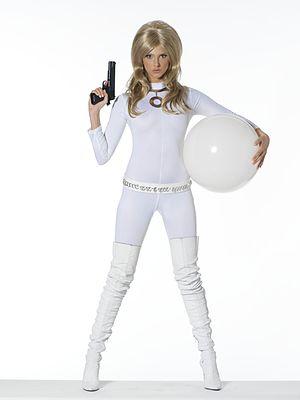 Frédérique Bel - Frédérique Bel portraying her character of Dorothy Doll from La Minute Blonde.