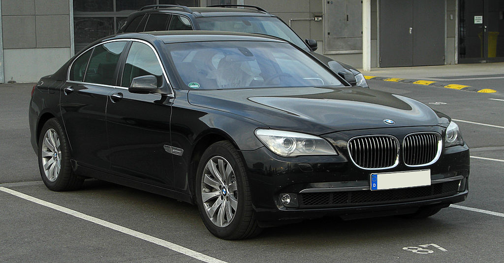 BMW 7er (F02) – Frontansicht, 16. April 2011, Düsseldorf